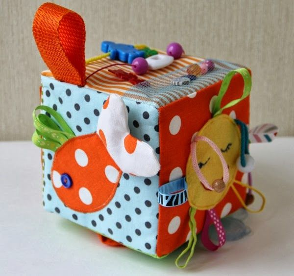 Вязание спицами для детей от 0 до 3 шапки 481
