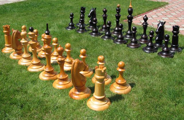 Как сделать шахматы своими руками?