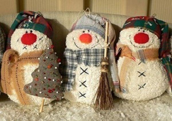 Игрушки своими руками снеговики из 102