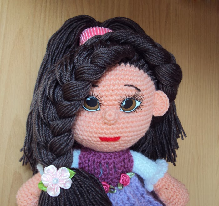 как сделать волосы кукле из ниток или пряжи мастер класс видео
