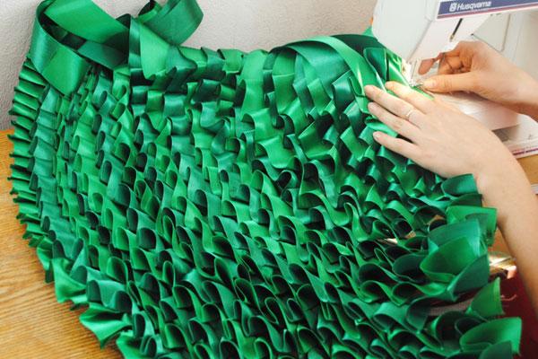 Сделать елку из лент своими руками