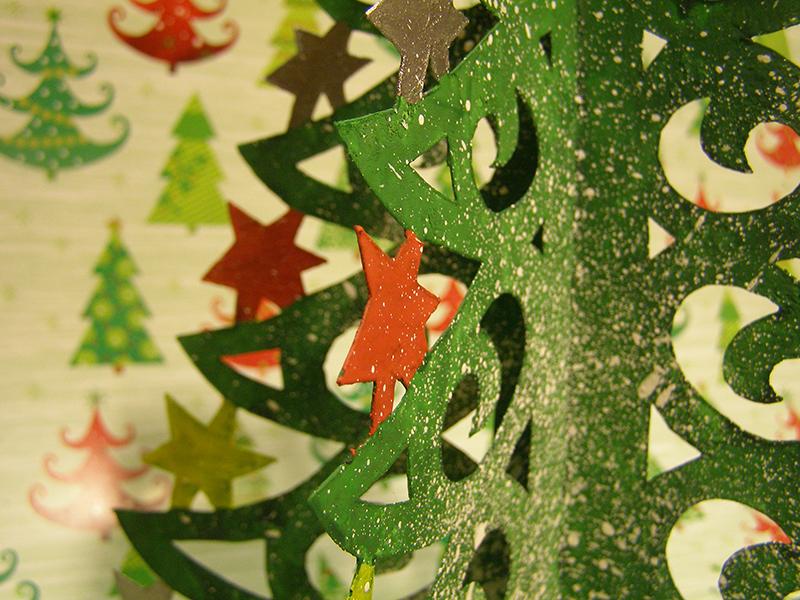 елка из бумаги