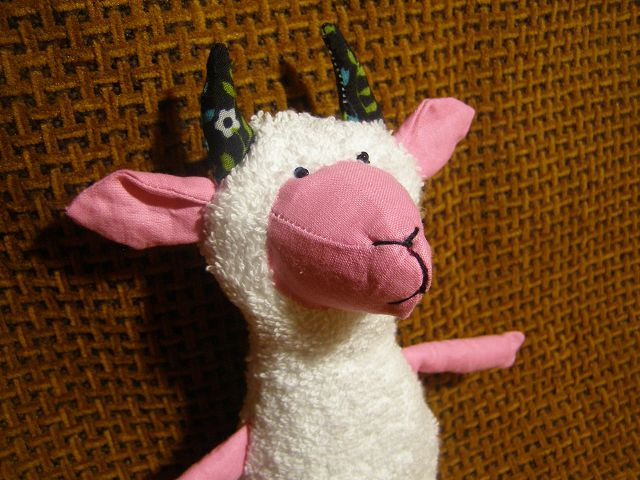 мягкая коза