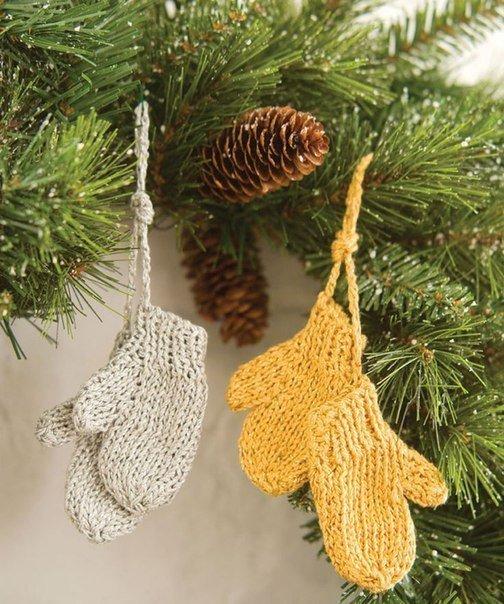 новогодние рукавички на елку