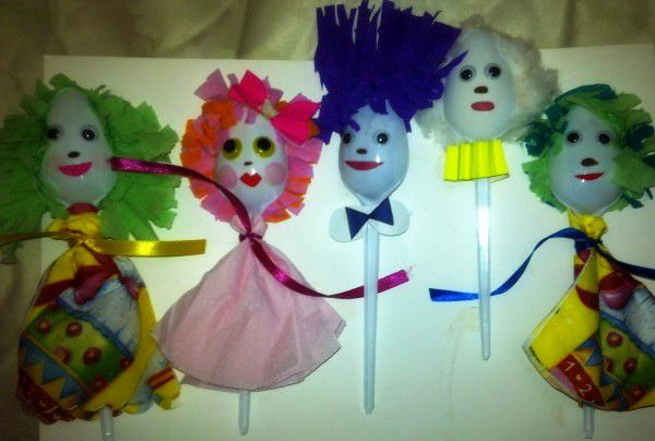 куклы на ложках