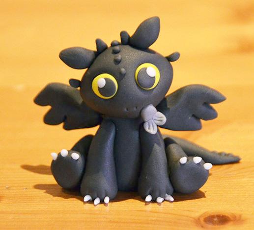 дракон беззубик из глины