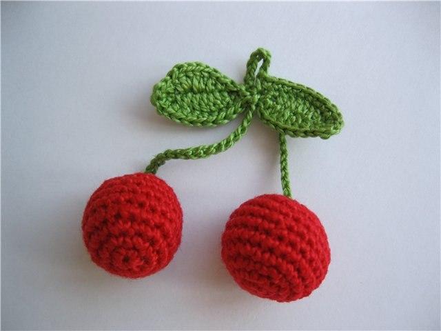 ягодка вишня крючком