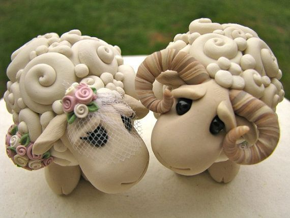 овечка из глины