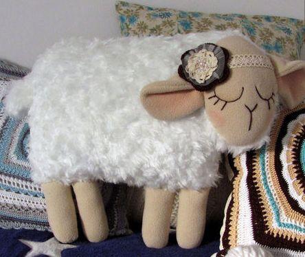 подушка овечка