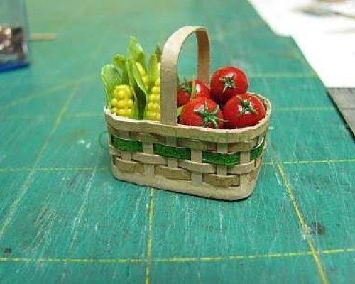 Миниатюра с фруктами