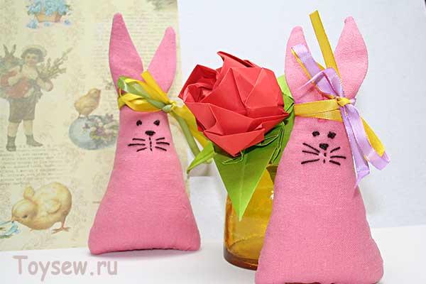 розовый пасхальный зайчик