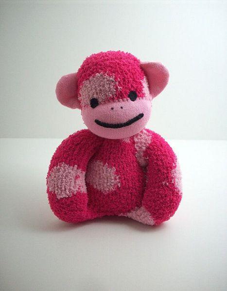 розовая обезьянка из одного носка