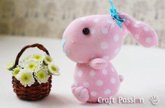 кролик из носка к Пасхе
