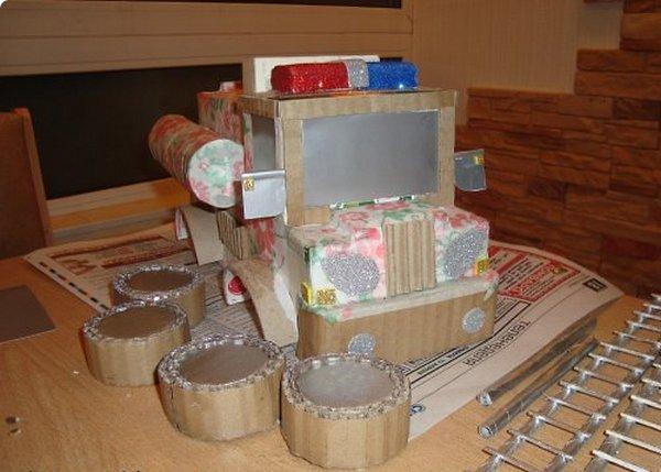 Делаем машинку из картона-9