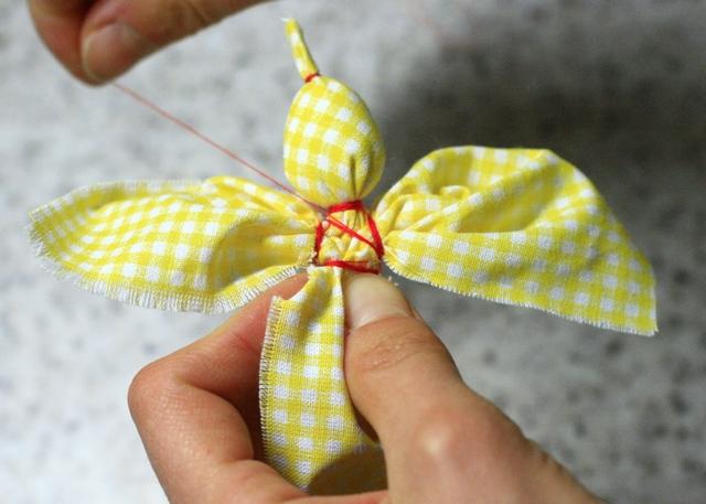 Как сделать птицу счастья из ткани своими руками