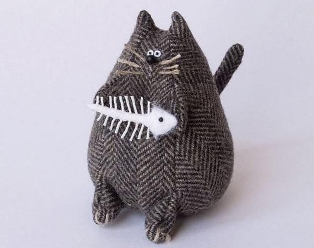 Кот с рыбой-2