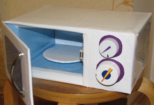 Как сделать кухню и посуду для кукол, игрушечная кухня, холодильник / Игрушки своими руками, выкройки, видео, МК