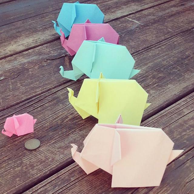 Слоник из цветной бумаги