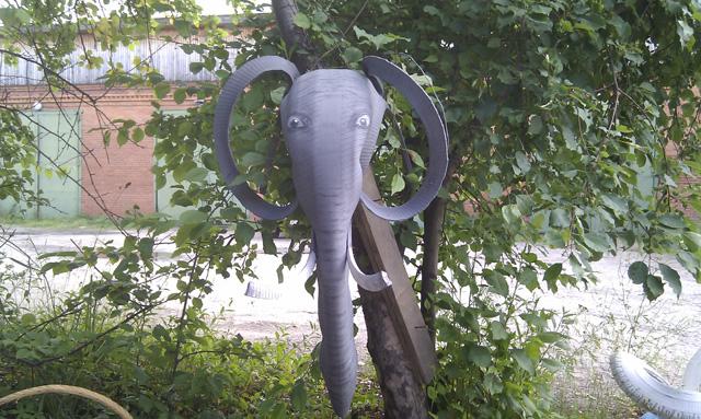 Слон из старых шин-2