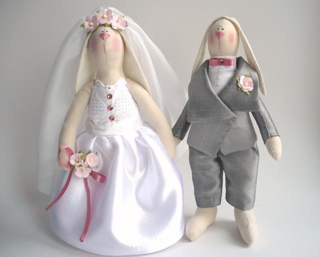 Стоячие зайки жених и невеста