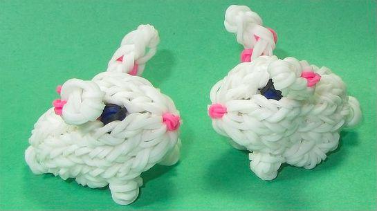 кролик из белых резинок