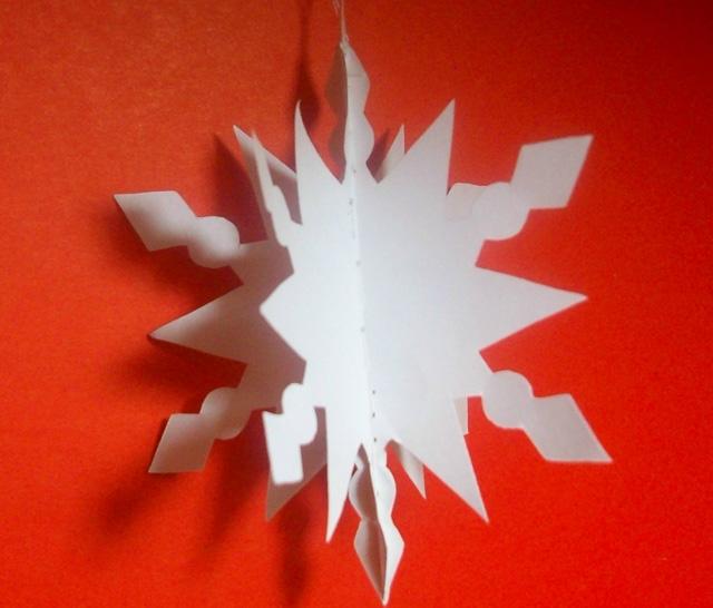 объемная снежинка из деталей