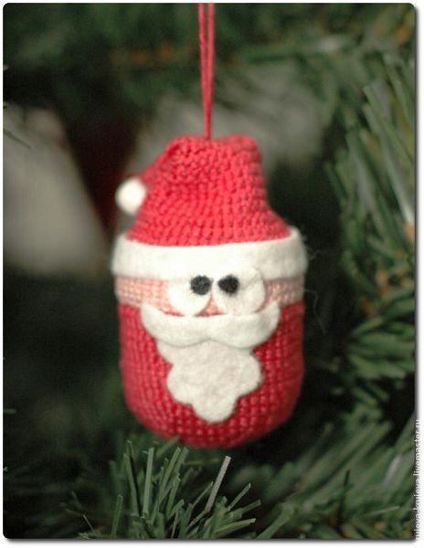 дед мороз крючом - игрушка на елку