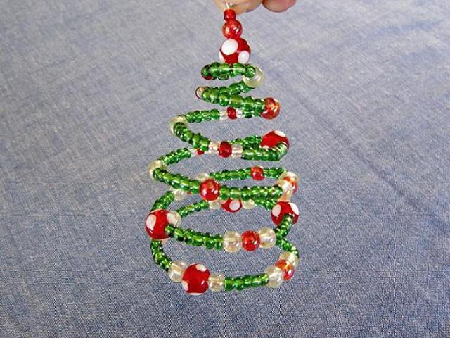 spiral Как сделать из бисера елку своими руками к Новогодним праздникам по фото и видео уроку