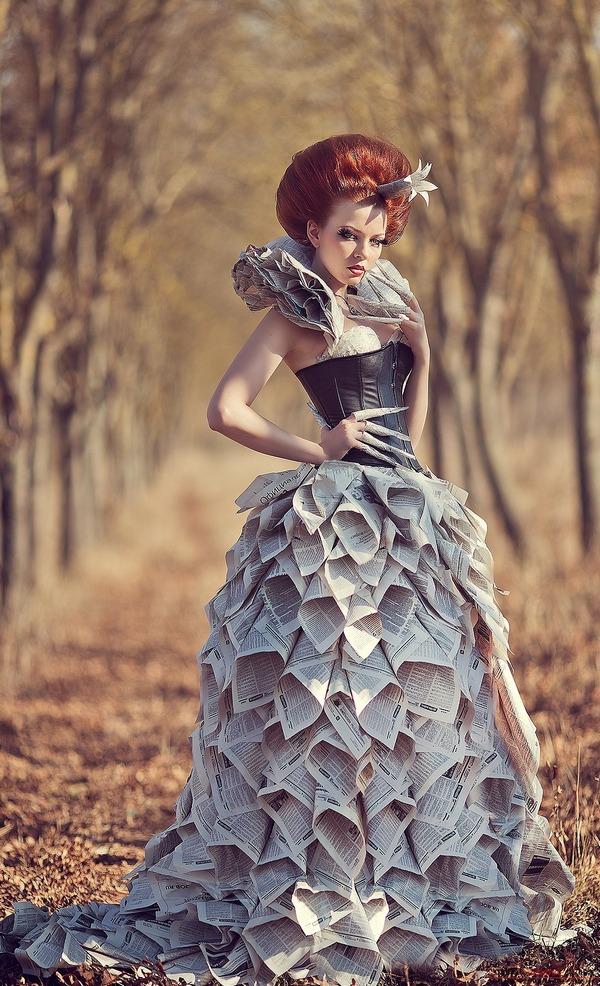 Платья из газет сделанные
