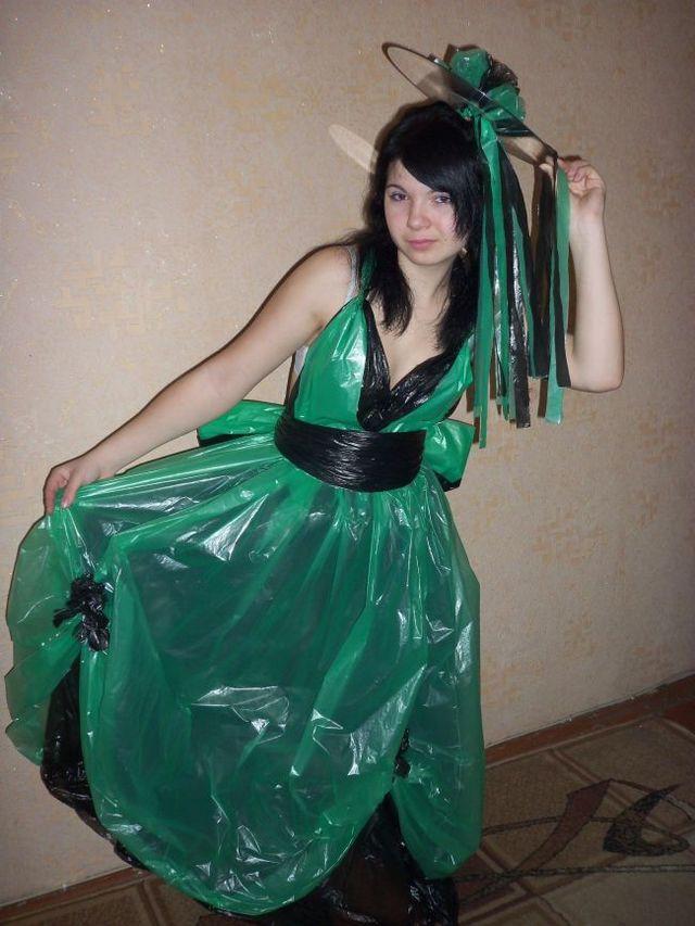 Платье из пакетов для мусора своими руками