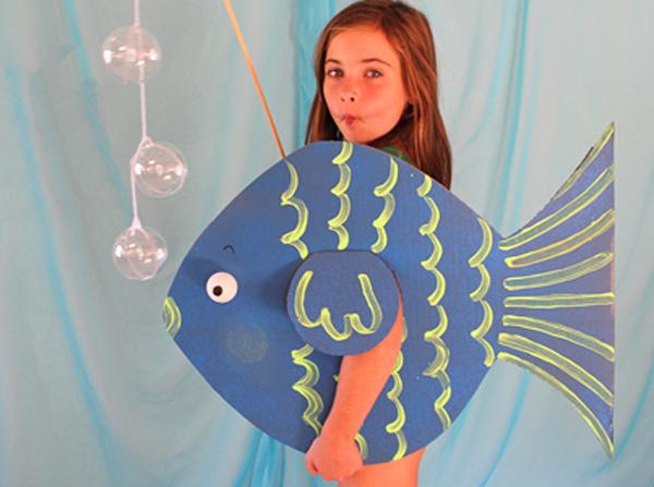 Рыбка из картона