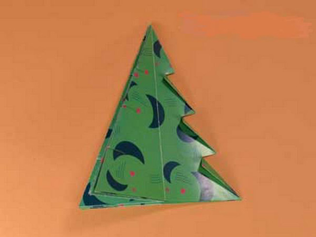 Елка оригами-8