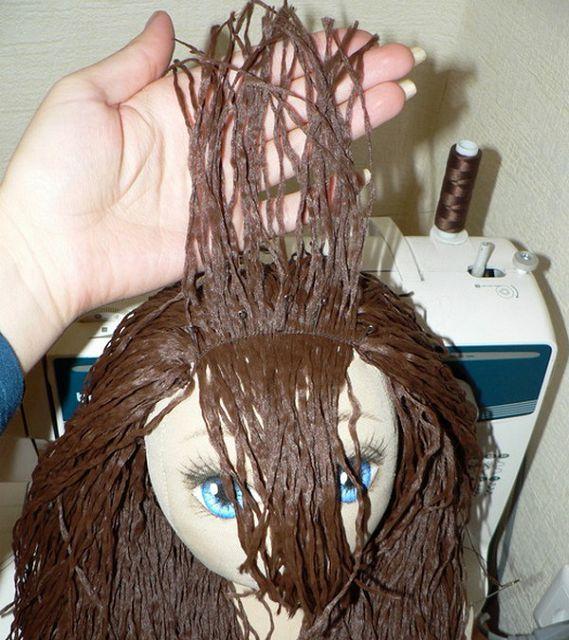 Как сделать волосы кукле из ниток или пряжи. Мастер 94
