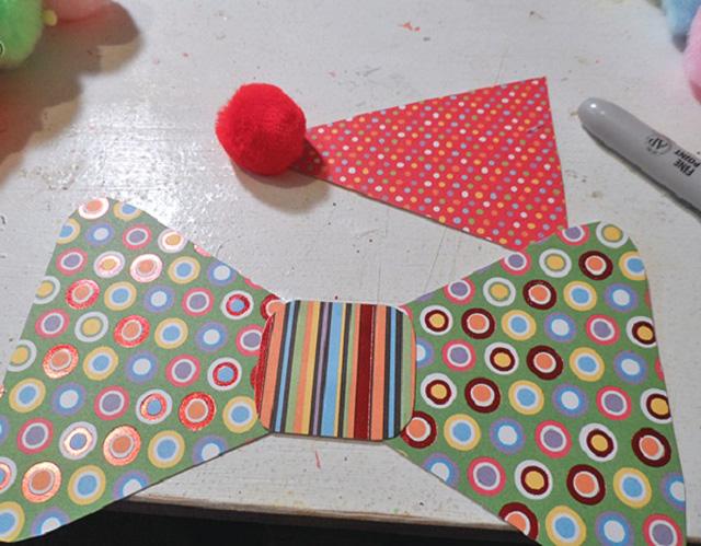 Голова клоуна из бумажной тарелки-3