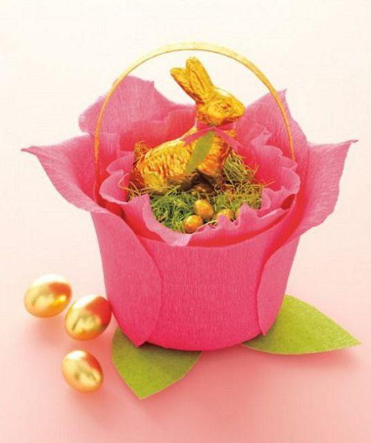 idei-podelok-gofri-23 Цветы из гофрированной бумаги своими руками