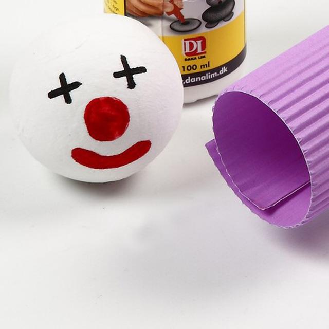 Клоун из теннисного шарика-2