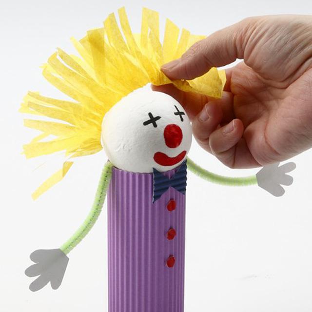 Клоун из теннисного шарика-6