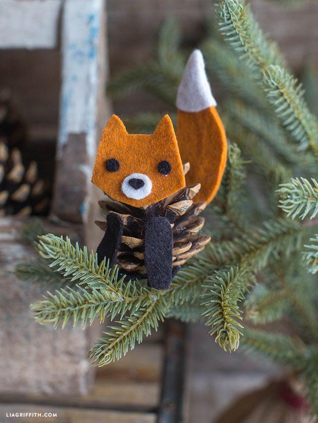 Лисичка на елке