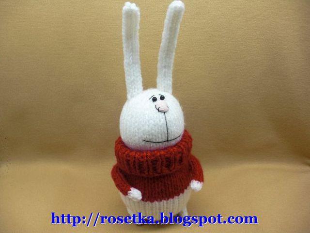 зайка спицами в свитере
