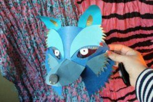 маска собаки из бумаги дома