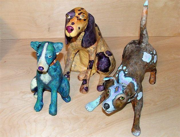 Собаки из папье маше дома