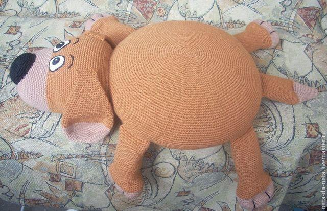 собака из подушки вязаная