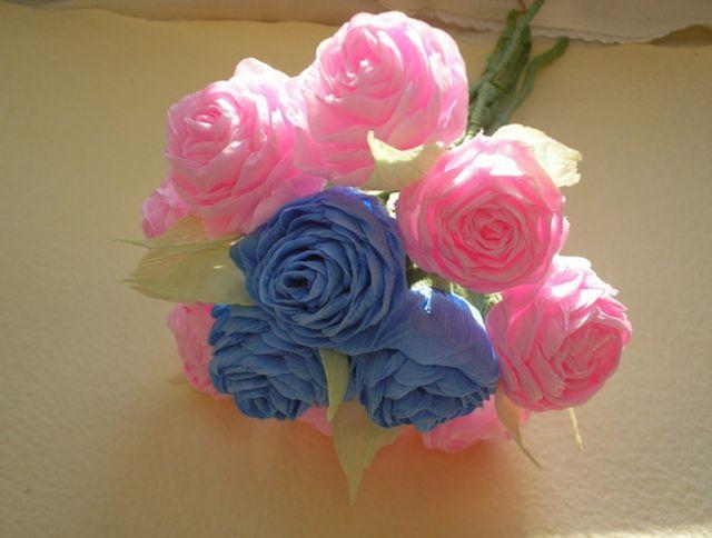 Розовые и голубые цветы