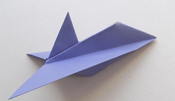 самолет бумажный