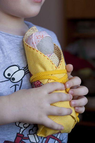ребенок и пеленашка