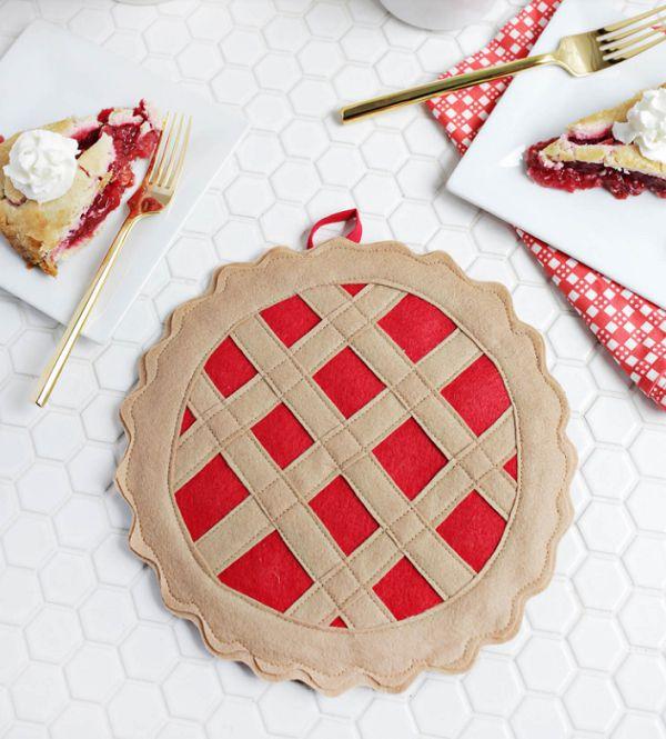 прихватка вишневый пирог